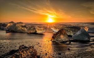 Your Dream Job Is Here! Earn $4,500/mo To Move To Iceland & Travel The World