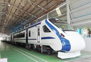 India's First Engine-less Train Debuts On Tracks, Here're 10 Things To Know!
