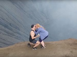 What Happened When a Travel Blogger Proposed to His Girl at the Top of a 7,000 ft Active Volcano