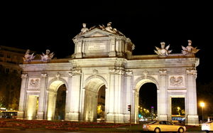 Puerta de Alcala 1/1 by Tripoto