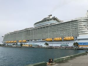 Harmony Of The Seas – What It Feels Like  To Be On The Biggest Cruise In The World!