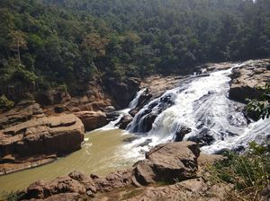 Putudi Waterfall 1/3 by Tripoto