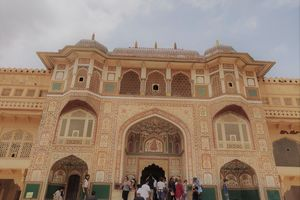 Jaipur-Agra-Fatehpur Sikri-Gwalior-Orccha-Varanasi