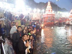 Ganga Ghat 1/4 by Tripoto