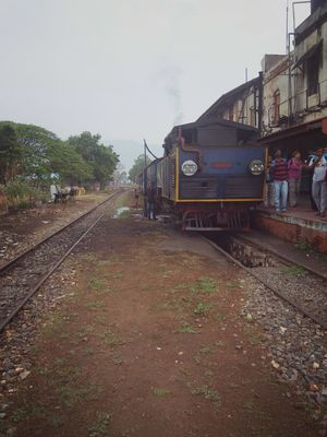 How to get OOTY train