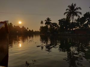 Life on a boat : Alleppey houseboats