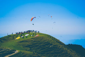 "Chilling in Bir- Billing – ""Paragliding in the land of Tibetan monasteries"""