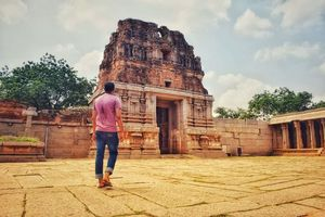 Hampi- The dwelling of bygone relics, rusty colors and intriguing landscape