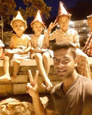 My love ???? with local kids ???????? #traveler #backpacker #dreamer #fitnessfreak #tripotocommunuty