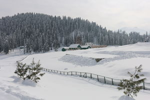A Lavish Escape to the Heaven on Earth- Kashmir at Its Best in Winters