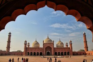 9 Best and Historical Places to Visit in Lahore, Pakistan