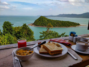 Breakfast with exotic views? I've found them for you.! #breakfastspots #IWillGoAnywhereForFood