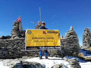 "SOLO TREK TO THE BEST HIMALAYAN SNOW TREK! ""KEDARKANTHA"""