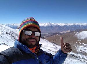 #SelfieWithAView #TripotoCommunity Beautiful snow clad mountain before Khardungla Pass!