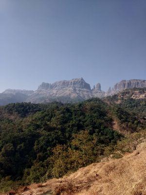 Trekking to Mahuli fort in the off-season