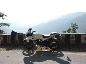 Solo Bike Ride To Chaubatia Garden, Bhalu Dam, Kainchi Dham and Nainital (1 Day)