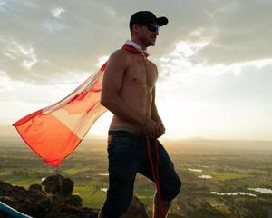 Meet Spencer who holds World Record in Free Solo Slacklining!