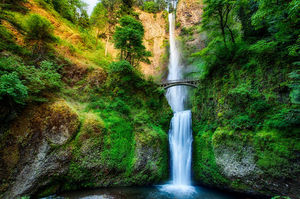 Multnomah Falls 1/undefined by Tripoto