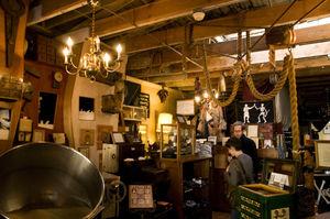 Valencia pirate shop 1/1 by Tripoto