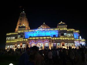 Craziest Holi in Mathura - Vrindavan - Agra