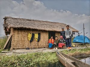 STAYING IN A FLOATING HOMESTAY AT LOKTAK LAKE WITH SANGAI MOONLIGHT CAMPING | Her Little Space