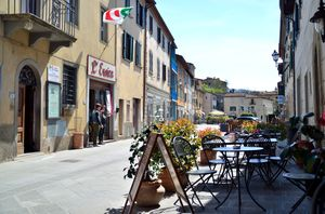Gaiole In Chianti 1/undefined by Tripoto