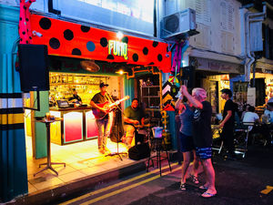 Haji Lane :Offbeat Singapore