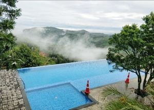 1623m above,sunrise view from infinity pool #summerescape #isssummerBaharNikal