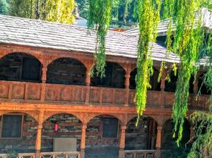 Journey to wooden Castle of Kullu and Valley of Lahaul!!