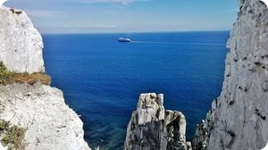White Cliffs of Dover 1/undefined by Tripoto