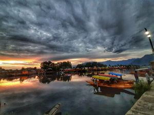 houseboats on dal lake shrinagar are the best accommodation with magnificent views #kashmirdairies