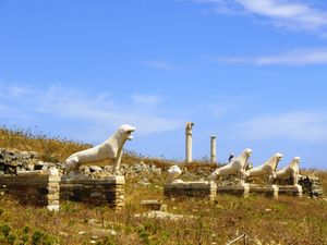Delos Island Ruins 1/4 by Tripoto