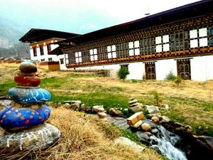 10 things that everyone should learn from Bhutan and its people.