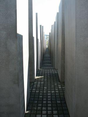 Holocaust Memorial 1/1 by Tripoto