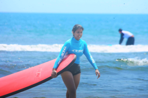 My first Surfing Experience - Why I don't have any pictures on the surf board!!