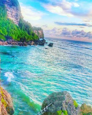 Hidden gem in Bali! Surfers paradise. Suluban beach.