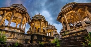 Explore the Royal Cremation Ground in Udaipur: Ahar Cenotaphs !
