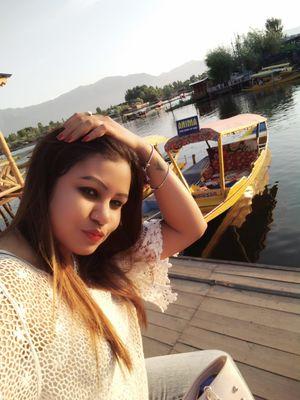 When u gt chance sunset in shikara at dal lake