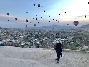 #CAPPADOCIA:HOT AIR BALLOONS AT SUNRISE #Beautiful landscape , Turkey@tripotocommunity