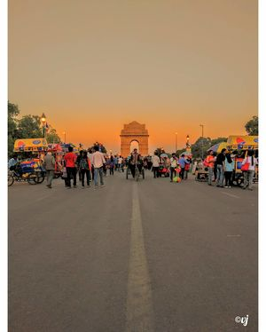 A candid evening at the India Gate.  #BestTravelPhotographs