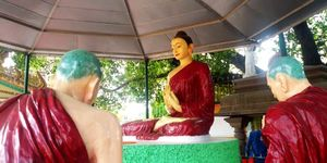 A day in the Buddhist circuit of Sarnath