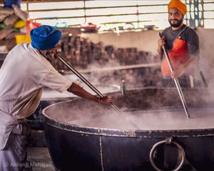 This is how india's largest kitchen works!