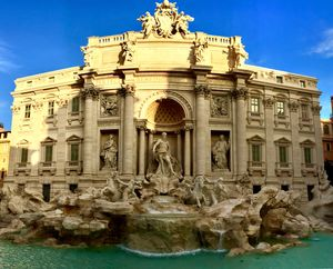 World's THE famous fountain under morning sun rays! #BestTravelPictures