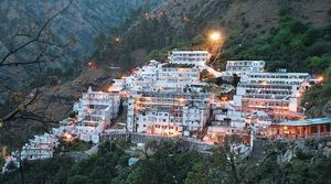 Enchanting experience of Trekking Trikuta Mountains to reach  Maa Vaishno Devi holy Shrine