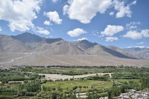 Drive through Highest Motorable Road to #Nubra Valley #khardungla #Hunder #ladakh