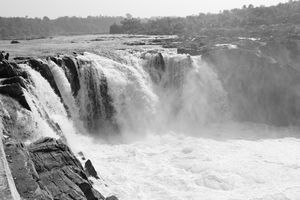 Cultural capital of Madhya Pradesh- #Jabalpur #Dhuandhar Waterfall #Narmada Aarti #MP tourism