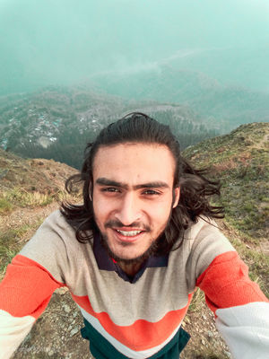 #selfiewithaview  A Very Dangerous Cliff At Kalimpong,West Bengal Which Is Adventures As Well