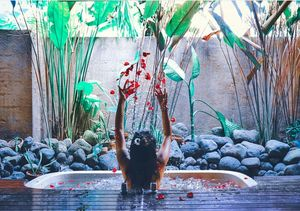 Jungle bath anyone????? I don't think anything apart from greens can be more my thing