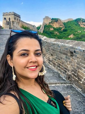 Happy Vibes from The Great Wall of china :) #SelfieWithAView #TripotoCommunity
