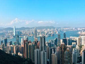 Hola! I'm Subhasri and I'm 16y/o. This photograph was taken by me during my trip to Hong Kong :)